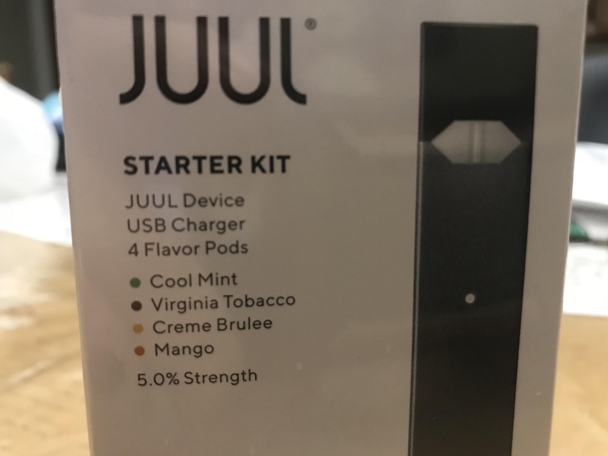 JUUL Starter Kit ( JUUL Device - USB Charger - 4 Flavor Pods )